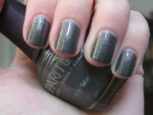Nails of the Week: SpaRitual's Sacred Ground Glitter