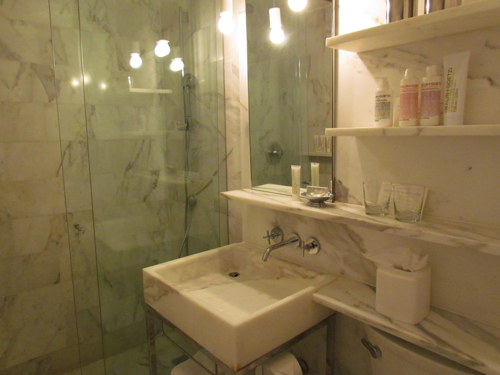 Delano Hotel - Bathroom