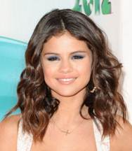 Get the Look: Selena Gomez's Waves - http://bit.ly/dailykaty