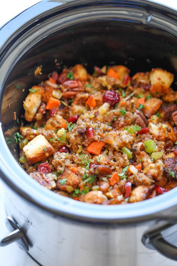 Thanksgiving Recipes: Slow Cooker Cranberry Pecan Stuffing